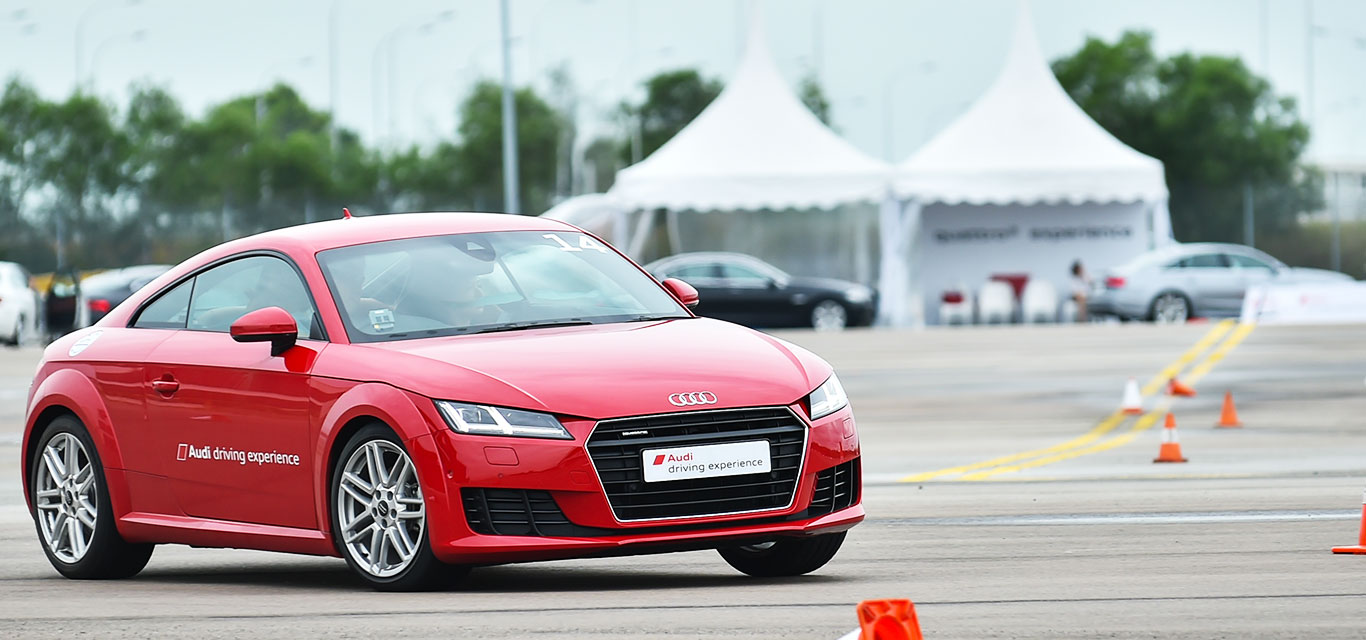 Audi-Driving-Experience-01